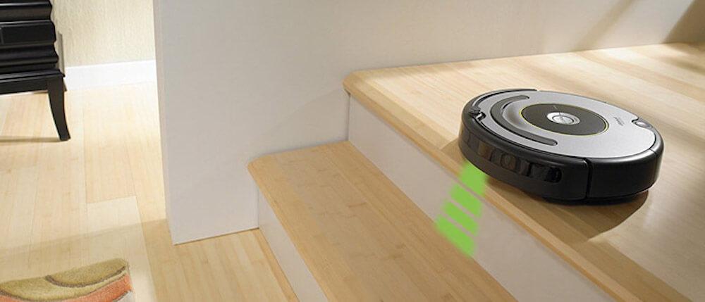 Saugroboter mit Sensoren und Hindernisserkennung